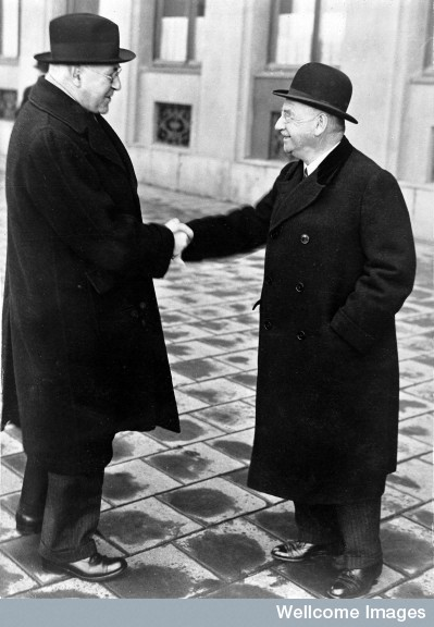 M0012996 Sir Henry Dale and Professor Otto Loewi